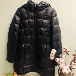 Andrew Marc Women's Down Puffer Jacket   Size L
